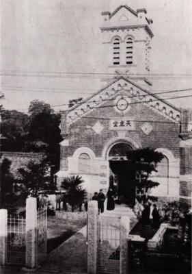 ロー神父が建てた教会
